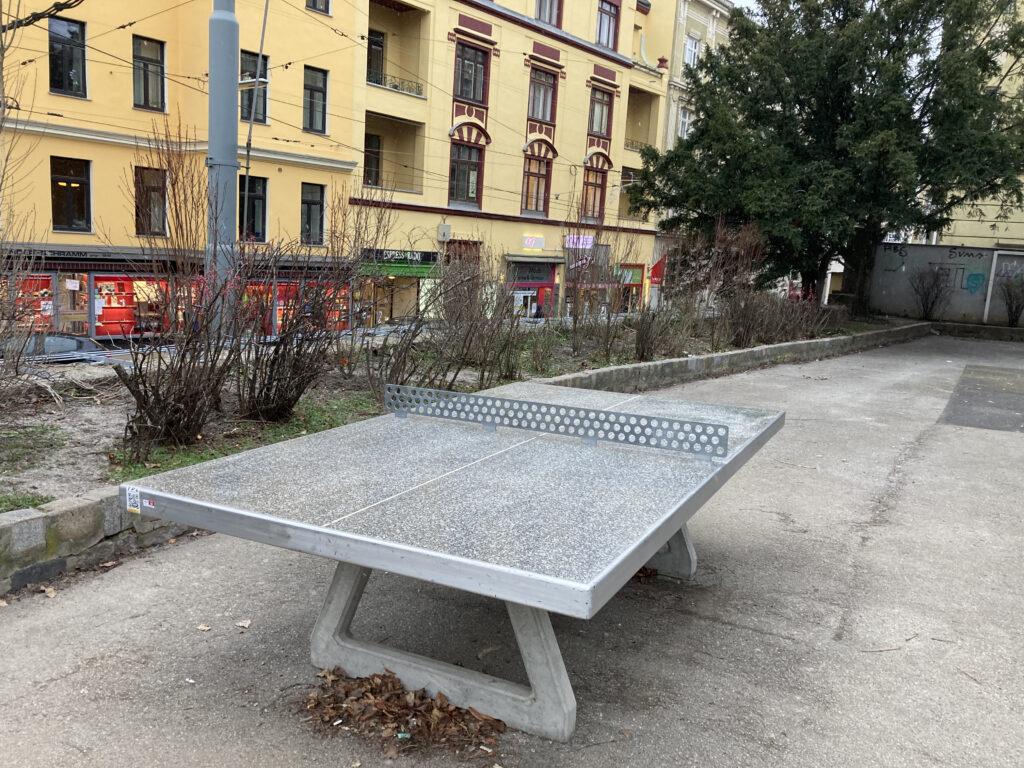 Tischtennis im Schubertpark