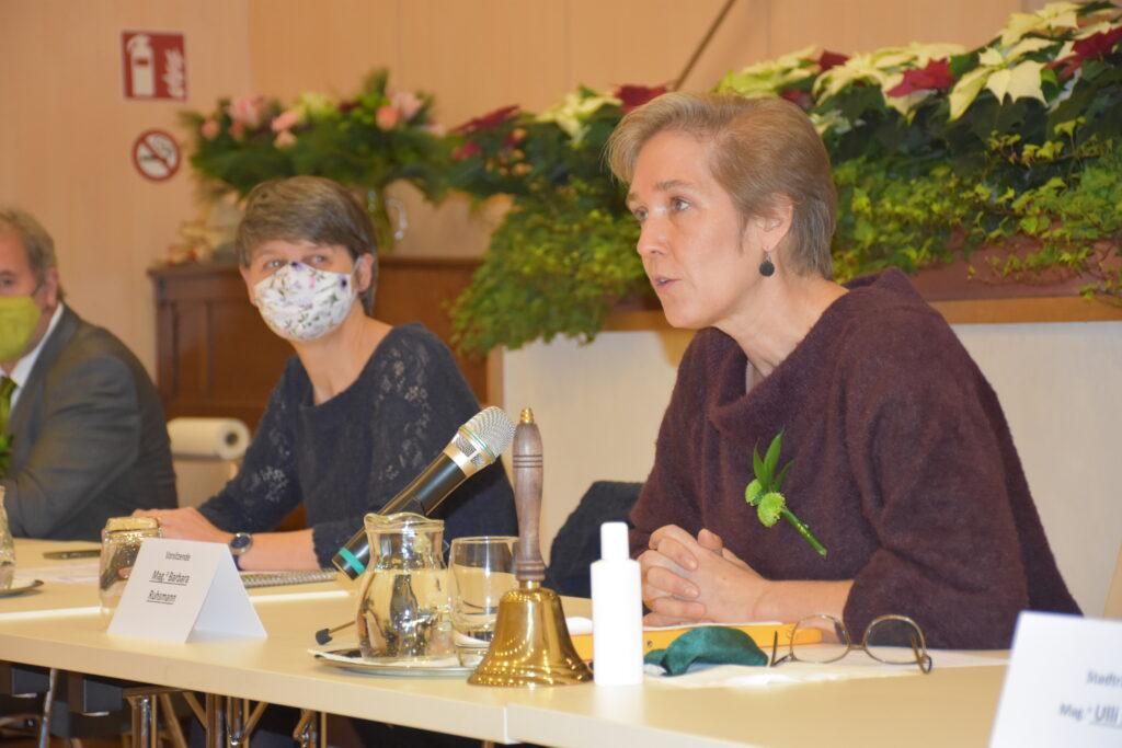 Barbara Ruhsmann bei der Angelobung der Bezirksvertretung